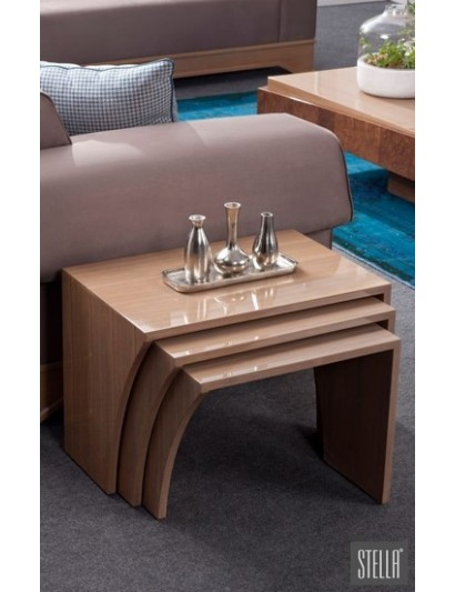 Finches corner table